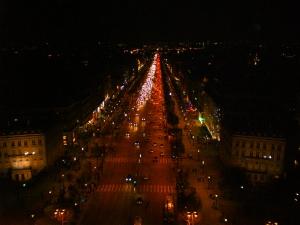 Champs Elysées Noturna